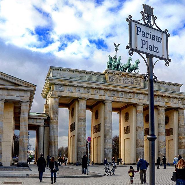Berlin, Germany #pariserplatz #brandenburgertor #berlin #ig_berlin #germany #deutschland #history #travelphoto #travelphotography #bestoftheday #picoftheday #travel #citybreak #instatravel #travelgram #mytravelgram #aroundtheworld #bestcity #bestvacations