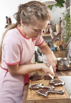 Theresa blev kendt med DR2s tv-serie Bonderøven - her giver hun sit bud på lækre honningkager