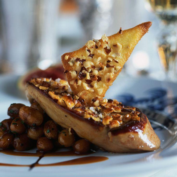 Découvrez la recette de l'escalope de foie gras panée aux noisettes
