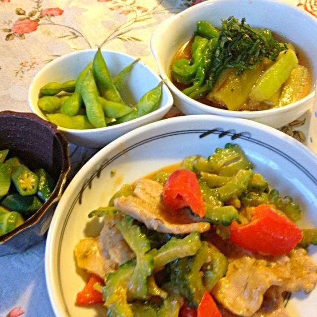 ゴーヤも茄子もオクラも普通の食べ方では飽きて来ました。  あまりしたことがない味付けで - 37件のもぐもぐ - ゴーヤとパプリカと豚肉の甘味噌炒め     翡翠茄子の煮浸し       オクラのゴマポン酢和え by lalanoir