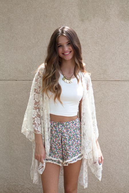 Boho Street Style Inspiration: Lace Kimono Jacket + Printed Shorts Summer Look #johnnywas