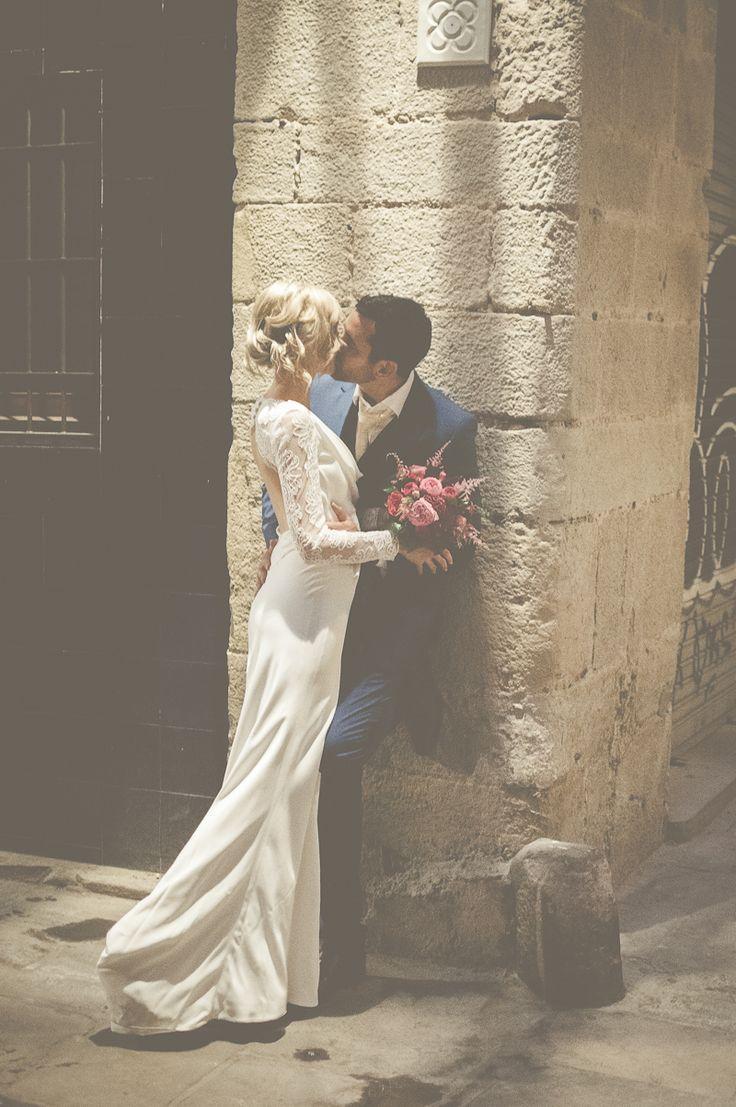 lace sleeves, photo by Lisa Poggi ruffledblog.com/... #weddingdress #lacegowns #bridalfashion 251 37 1 Ruffled Wedding Fashion zhou leon There are many beautiful dresses on my website ,welcome to visit my online shop. http://www.my-wedding-dress...