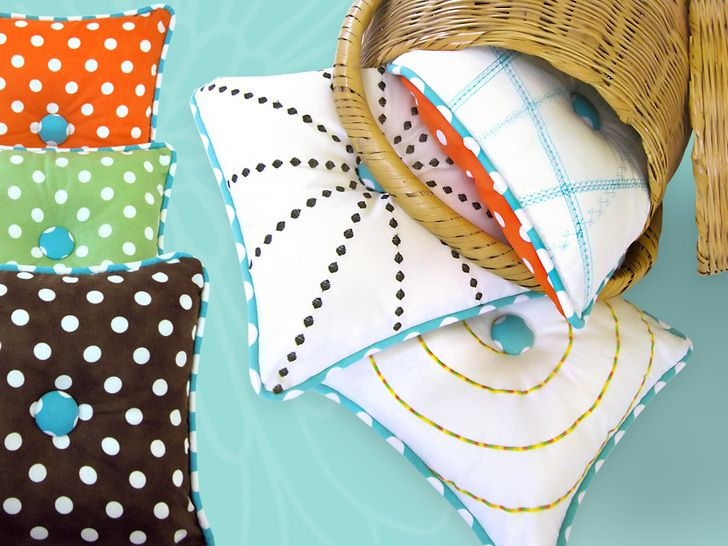 Tutorial: Use your sewing machine\u0027s decorative stitches to create these fun pillows (Craft Gossip)