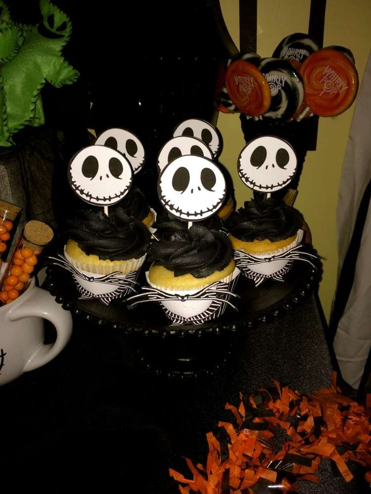 11 best Party images on Pinterest Anniversary parties, Bean bag - sweet 16 halloween party ideas