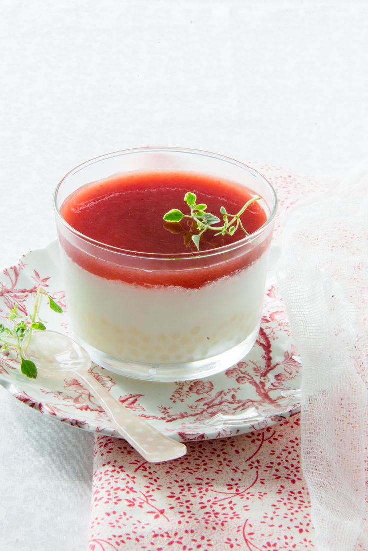 #food photography #organic tapioca with homemade strawberry coulis  | Au Petit Goût
