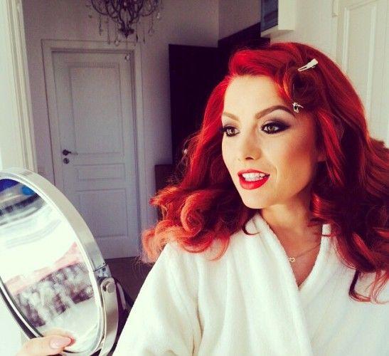 Ten de bebeluş! Încearcă masca cu aspirină a Elenei Gheorghe - Frumuseţe | Unica.ro