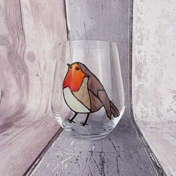 This hand painted robin design is available on the stemless wine glass (tumbler) as shown in the photos, as well as: conical pint glasses, traditional pint glasses, tankards and short tumblers.  This would make a great gift for anyone who is a lover of birds, robins or is a fan of birds