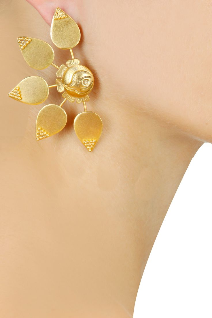 Flora drop earrings with rose BY SUHANI PITTIE.  Shop now at www.perniaspopups