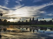 Angkor Wat combines two basic plans of Khmer temple architecture: the temple-mountain and the later galleried temple, based on early Dravidian architecture, with key features such as the Jagati.