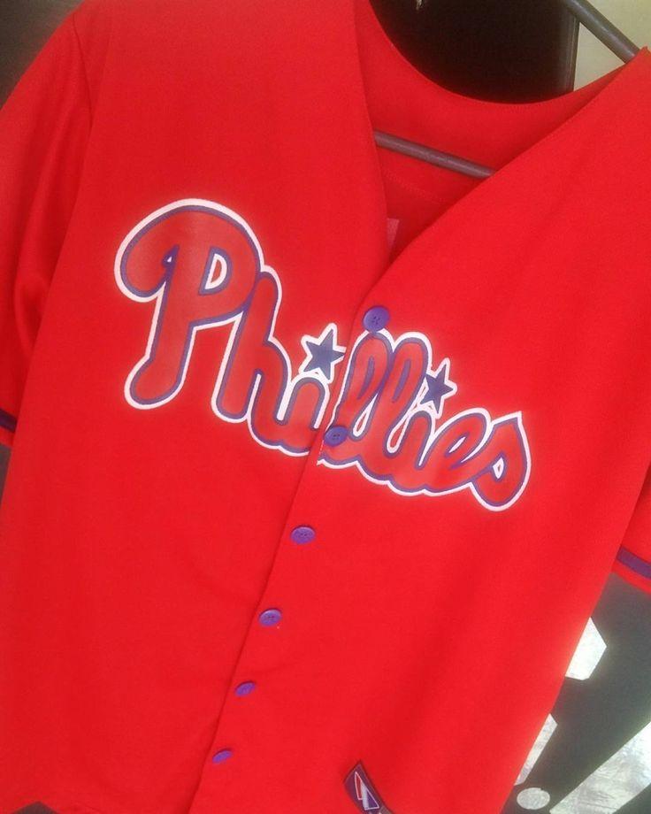 Camisa Baseball PHILLIES   Disponível No Tamanho (M)  Com Estampa Frente e Trás . . . . #usa #arapiraca #loja #roupas #phillies #baseball #sport