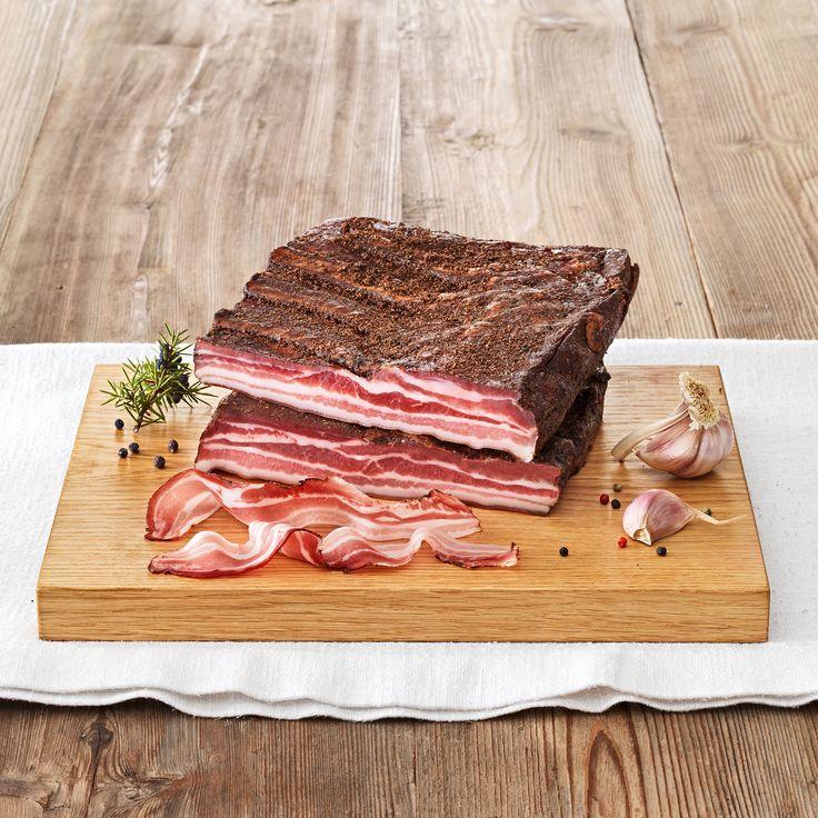 Der Tiroler Speck g.g.A. Bauchspeck von Handl Tyrol ist durch seinen herzhaften Geschmack eine besondere Spezialität in der Tiroler Küche.  #HandlTyrol #Speck