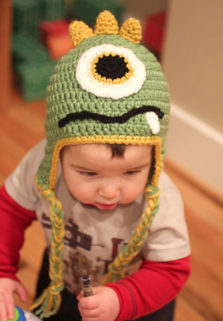 Repeat Crafter Me: Crochet Monster Hats.  Could make into a dinosaur for Halloween.
