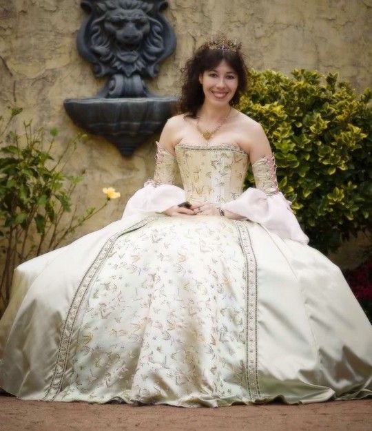 1000+ Images About Celtic Wedding Dresses On Pinterest