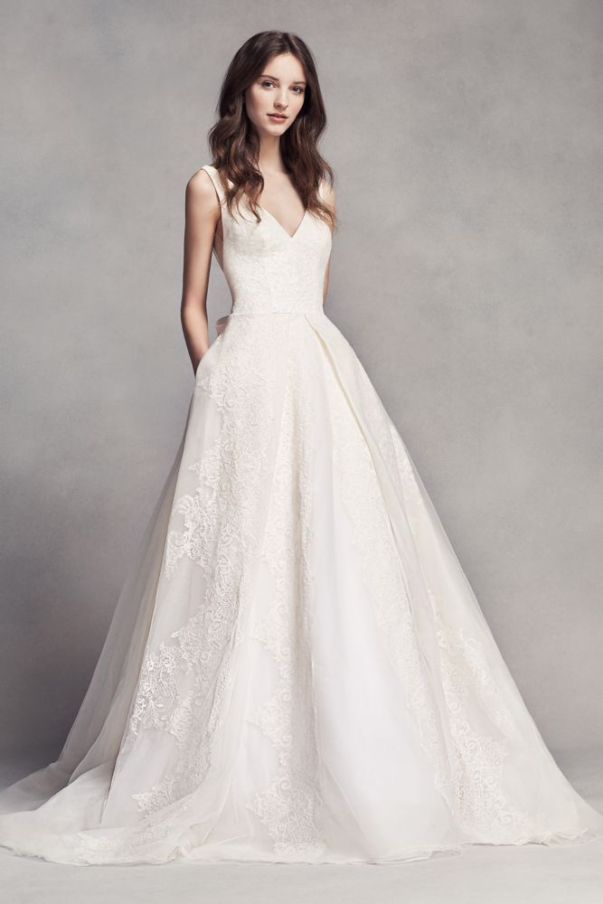 New Extra Length Lace White by Vera Wang V Neck Wedding Dress with Bow Ivory