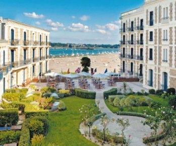 Le Resort Lucien Barrière de Dinard s'engage a vos cotés pour vos séminaires de 10 à 200 personnes, tout au long de l'année. http://www.aleou.fr/salle-seminaire/1827-grand-hotel-barriere.html