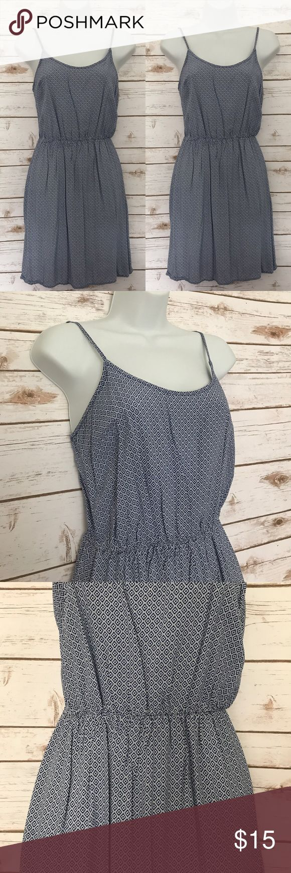 """Old Navy Blue & White Printed Flowy Summer Dress Excellent used condition. No flaws. Only worn a few times. Adjustable straps and elastic waist. Care tag is missing, feels like a cotton blend. 26"""" long down he back. Old Navy Dresses Mini"""