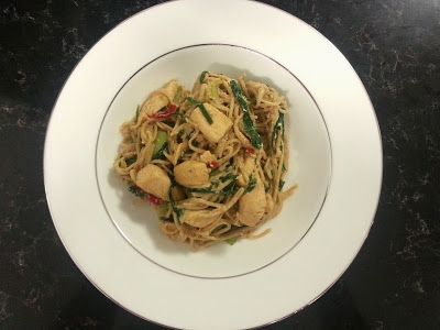 Stir Fried Chicken with Egg and Noodles