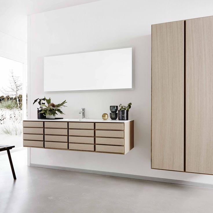 Form 1 // White pigmented oak bathroom by Multiform