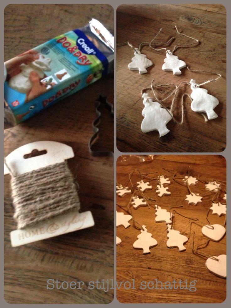 Zelf gemaakt kersthangers..met klei van de action