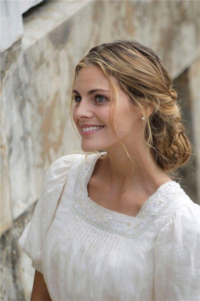 """Amaia Salamanca, 27, """"Alicia Alarcón"""" en la serie """"Gran Hotel."""" Spain"""