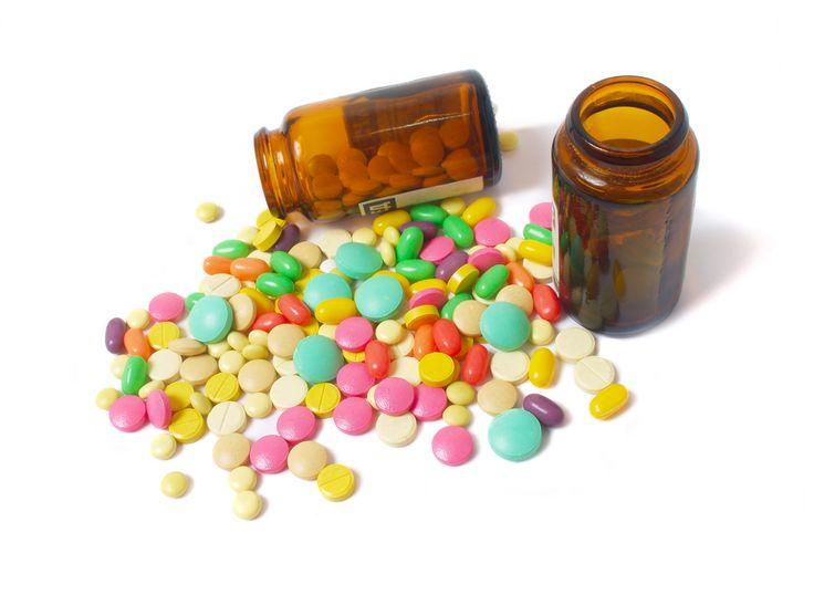 Antibioticele sunt printre cele mai prescrise medicamente. Din păcate, multi dintre noi apelam la ele chiar și fără recomandare medicală. Haideți să urmărim un material bun pentru sănătatea noastră, dedicat antibioticelor și efectelor nedorite ale acestora:http://klinica.ro/efectele-nedorite-ale-antibioticelor/