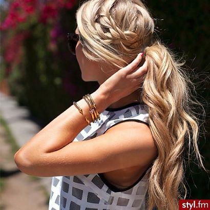 Trendy fryzury na lato - elegancki kucyk - Strona 24   Styl.fm