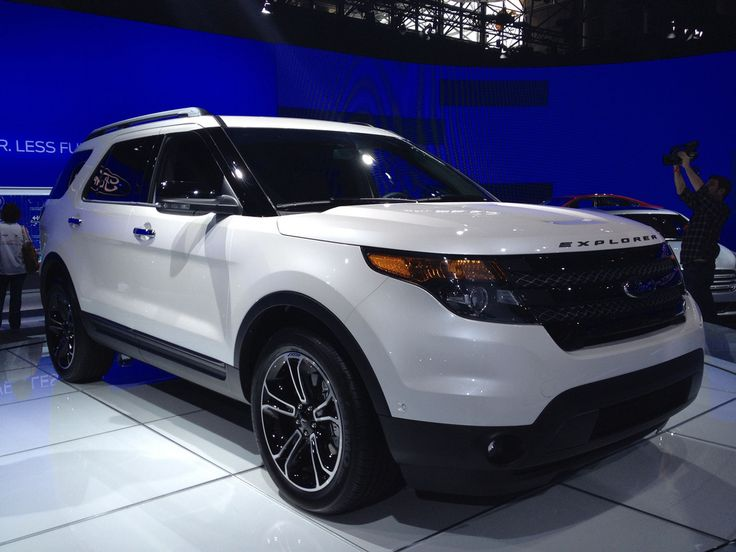 Suv 2017 Ford Explorer Sport With 3rd Row Seating Family Cars Pinterest And Vehicles