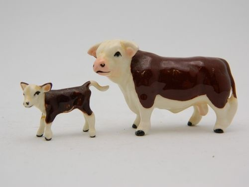 Small Toy Cows : Sold miniature hagen renaker figurine hereford bull calf a