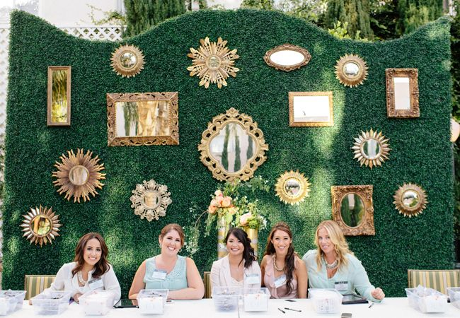 Team A Good Affair! Mirrors with hedges are so awesome in a design. @Revelry Event Designers you did such a great job! Thank you!!!