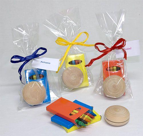 e4e430a0a Yoyo madera con ceras en bolsa con rafia y tarjeta Referencia 12-9831-yoyo    REGALOS CUMPLEAÑOS - BIRTHDAY   Detalles de cumpleaños, Regalos de boda y  ...