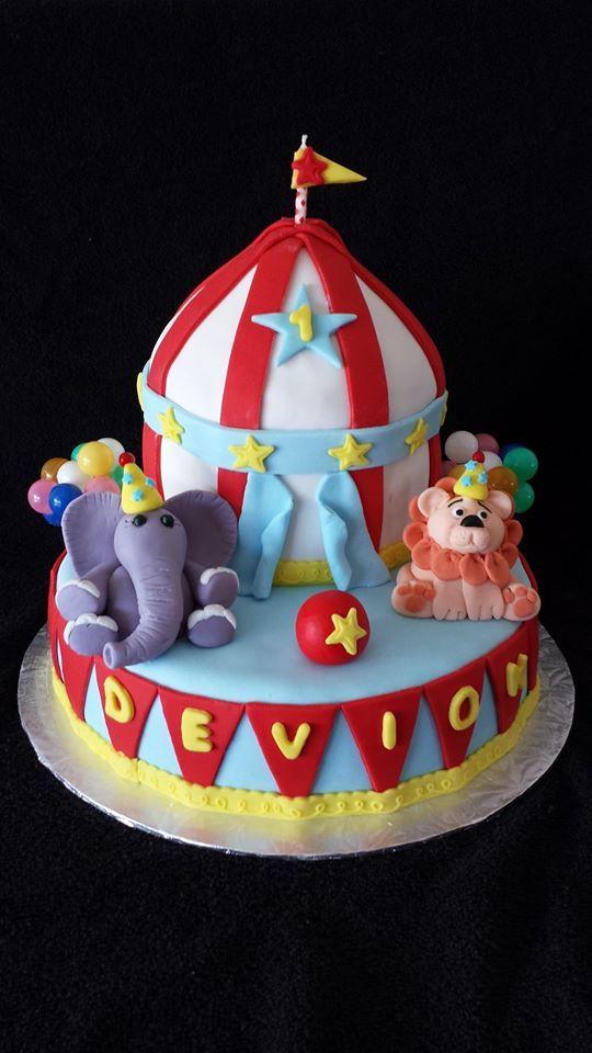 Circus themed cake.