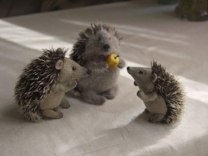 three hedgehog toys ()