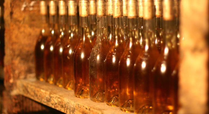 A legismertebb tokaji bor az aszú. Milyen más tokaji borok vannak még? Tokaji szamorodni, fordítás, máslás, mind-mind az aszú kistestvérei. Tudj meg többet!