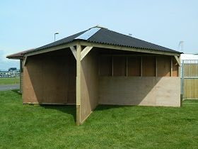Corner Field Shelter