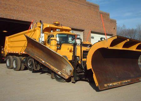 alaskan snowplow.This is a Mack  RD snowplow truck.