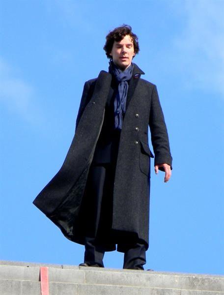 Шерлок холмс сериал пальто