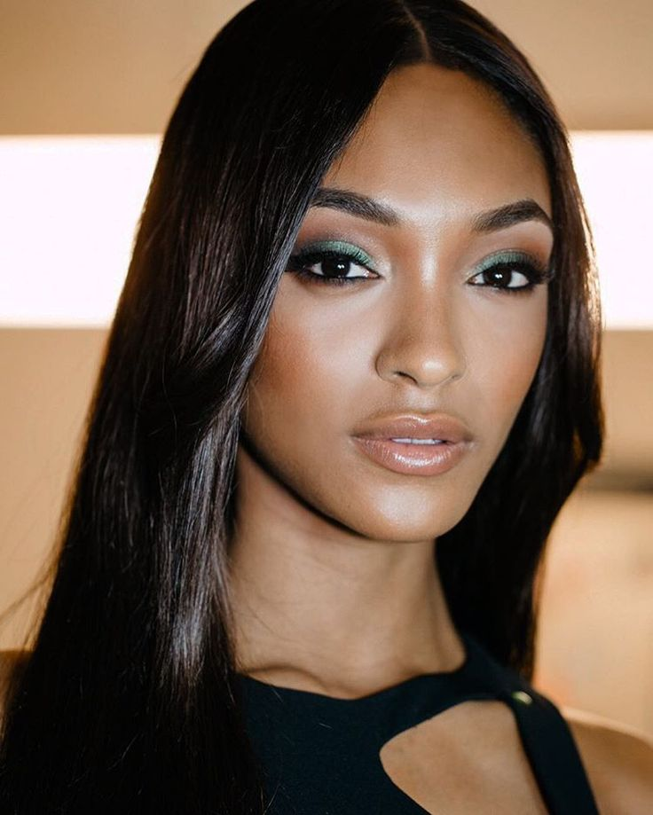"31.5 m Gostos, 155 Comentários - Jourdan Dunn (@jourdandunn) no Instagram: ""Maybelline Glam with @hilakarmand & @lacyredway  @Masha.photo #nyfw #maybellinegirls"""