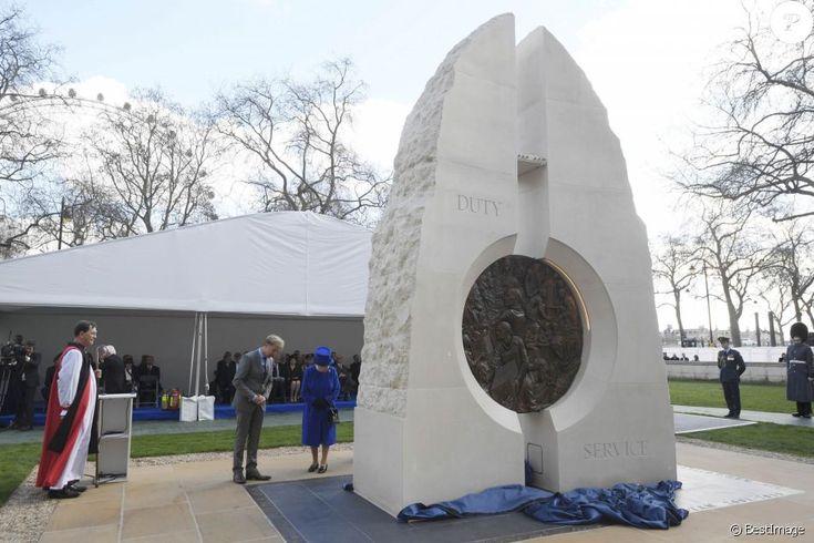 Inauguration d'un monument à la mémoire des forces armées et civiles qui ont servies pendant la guerre du golf et les conflits en Irak et Afghanistan à Londres le 9 mars 2017.