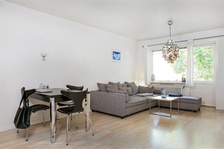 17 best images about sofa on pinterest grey retro design and ikea sofa. Black Bedroom Furniture Sets. Home Design Ideas