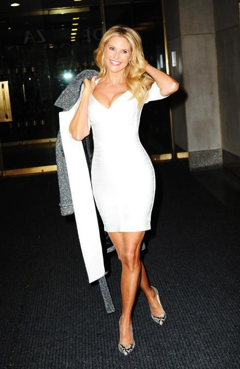 Christie Brinkley, Reformed Sun Worshiper, Dishes On How to Keep Your Skin Sexy at 60 (& beyond...)