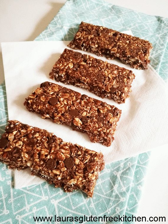 A granola bar that stays together and doesn't need to be baked?? IT'S TRUE!!! Soft and chewy but holds together perfectly! Cocoa flavor throughout with a nice little crunch from some delicious chopped hazelnuts!