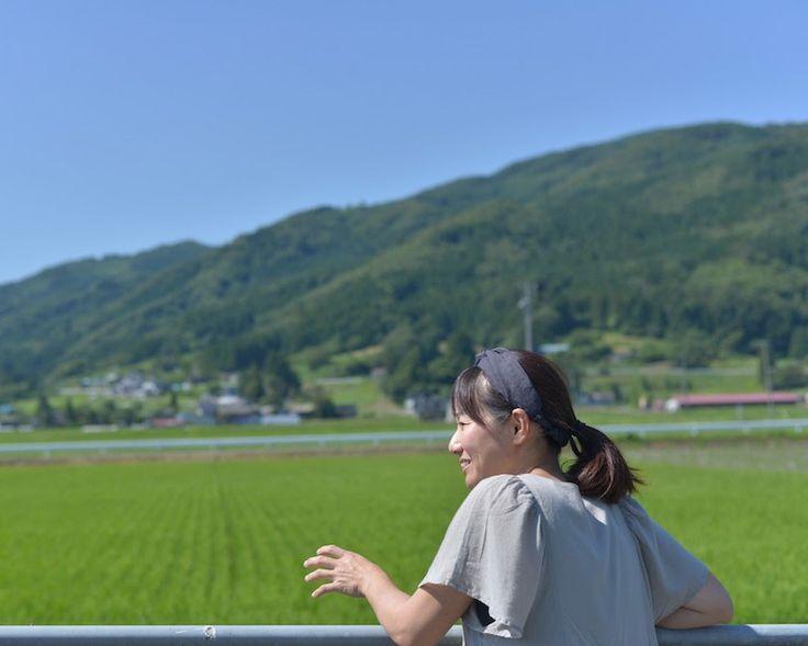 岩手県遠野市で、自然栽培の農家「風土農園」をご主人と一緒に営む、神奈川県出身の伊勢崎まゆみさん。若い頃からファッションの世界に憧れて、自分でブランドを持つまでになったのに、30歳の時に遠野市に移住を決めた理由とは? 彼女が見た、遠野の魅力に迫ります。