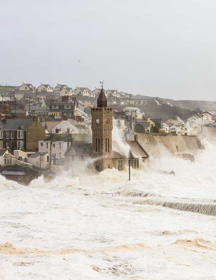Porthleven, Cornwall HIGH TIDE