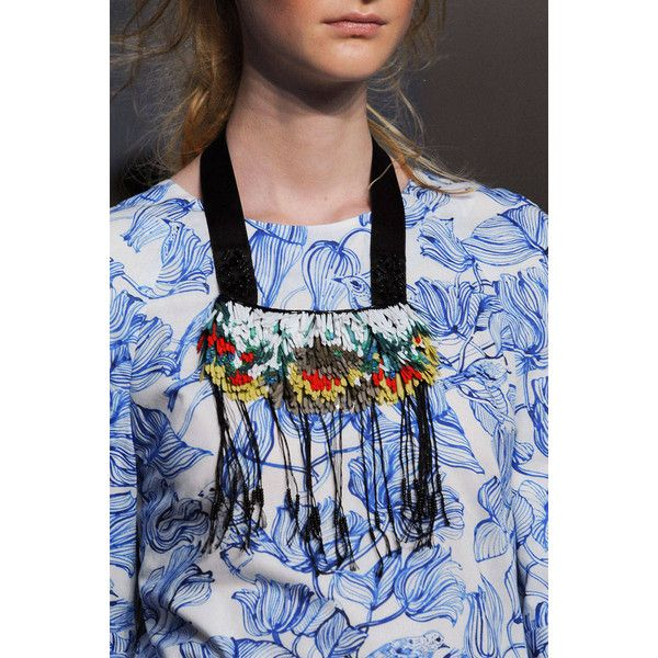 Hippie hippie chic - How to DIY a Creatures of the Wind fringed necklace