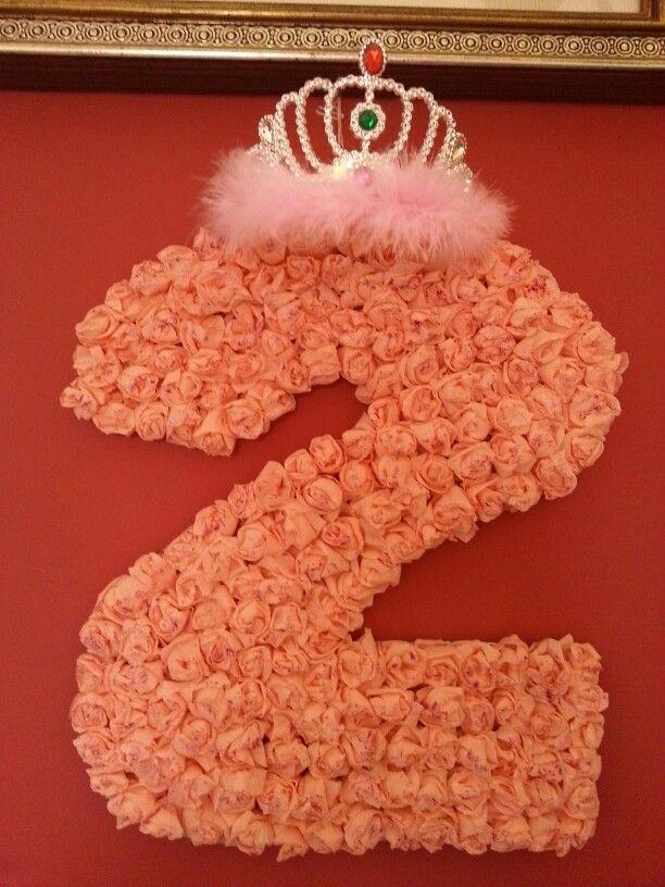 compleanno bambina 2 fatto con roselline di carta e brillantini