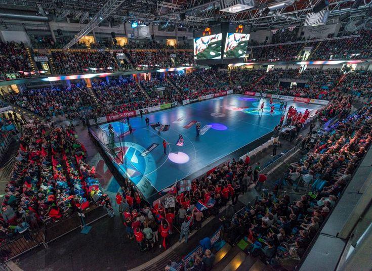 Mit dem SC DHfK Leipzig kommt eine der Top-Mannschaften der Liga in die Arena Nürnberger Versicherung. Weit über 7.000 handballbegeisterte Fans werden am Mittwoch erwartet #arenanuernbergerversicherung @jocki_foto #hjkrieg @hcerlangen @erlangen.de #fotoofhandball @hcsupporter #nachvorneundoben