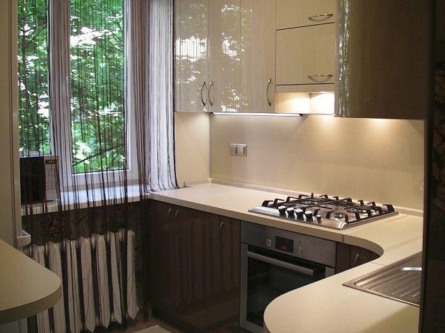 Маленькая кухня  2,4Х2,4 ...