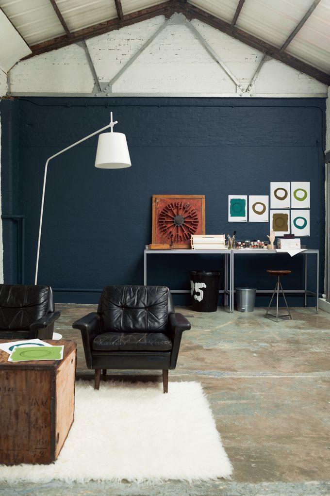 dulux valentine une peinture bleu ptrole et du blanc pour un esprit industriel