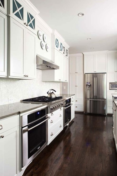 TerraCotta Properties: Beautiful kitchen design with creamy white shaker kitchen cabinets with gray quartz ...