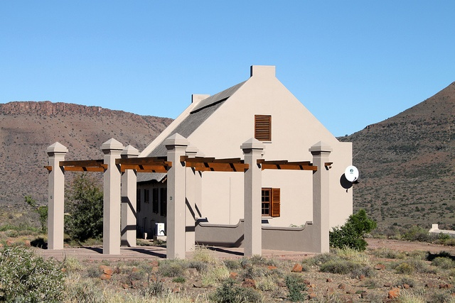 Karoo cottage, Karoo National Park by flowcomm, via Flickr